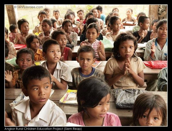 Angkor Children (2)