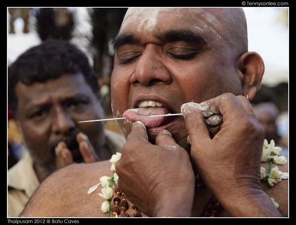 Piercing at Thaipusam (10)