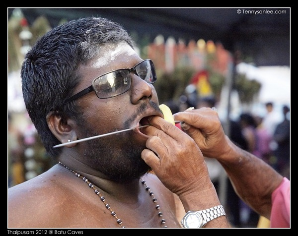 Piercing at Thaipusam (2)