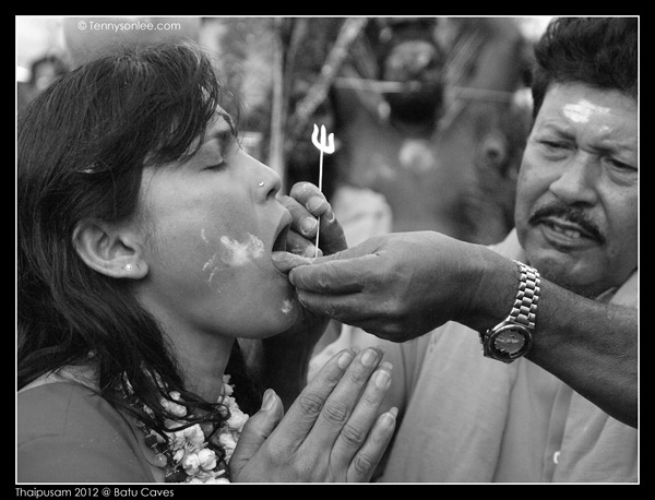 Piercing at Thaipusam (5)