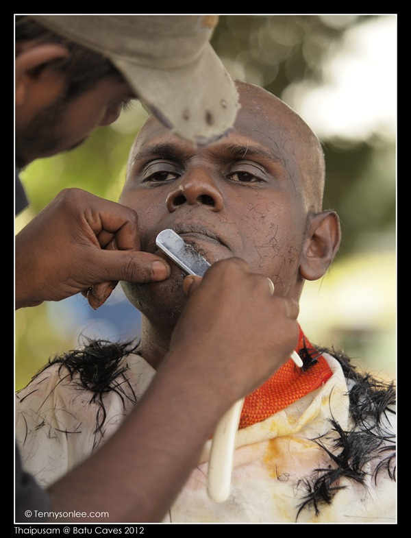 Shaving on Thaipusam (3)