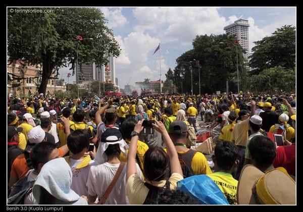 Bersih 3 turned violent (1)