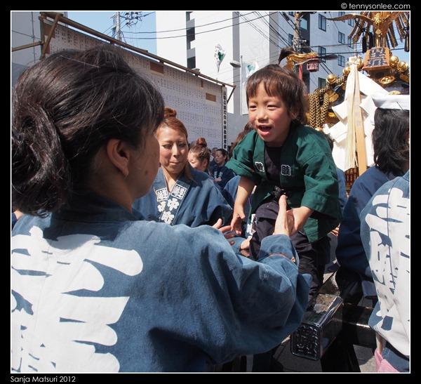 三社祭 Sanja Matsuri kids and ladies (7)