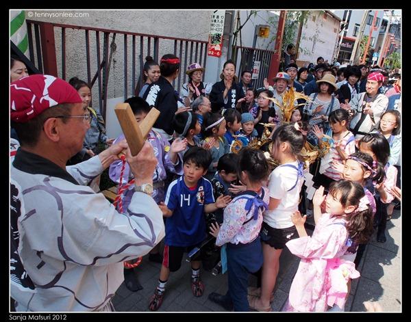 三社祭 Sanja Matsuri kids and ladies (8)