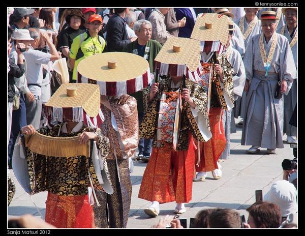 三社祭 Sanja Matsuri procession (4)