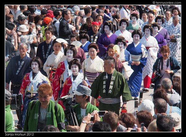 三社祭 Sanja Matsuri procession (5)