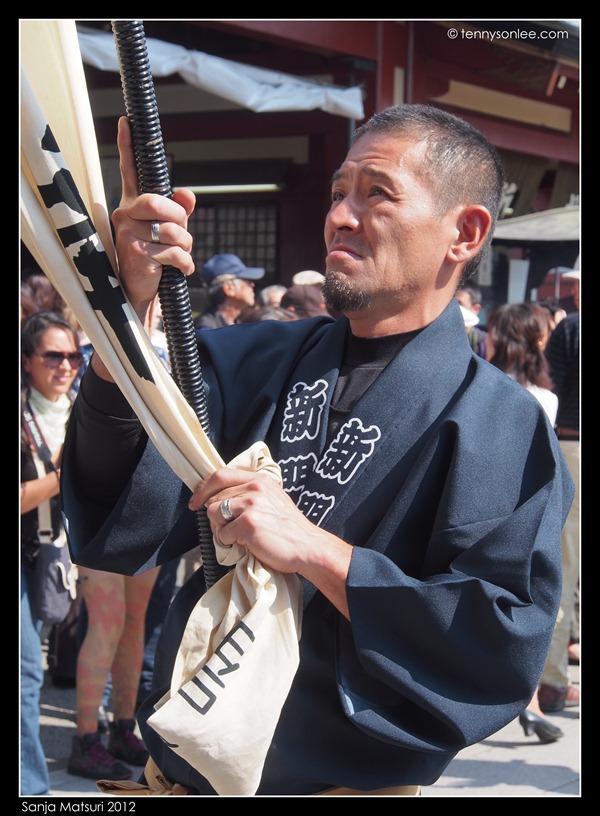 三社祭 Sanja Matsuri procession (6)