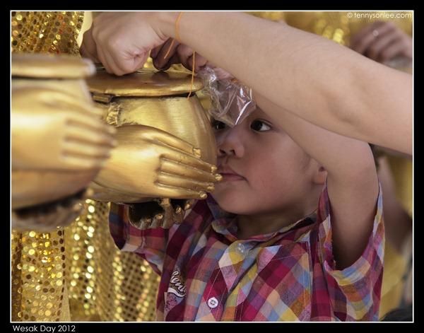 Wesak Day 2012 (6)