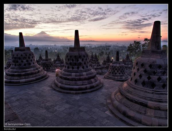 Borobudur Sunrise (1)