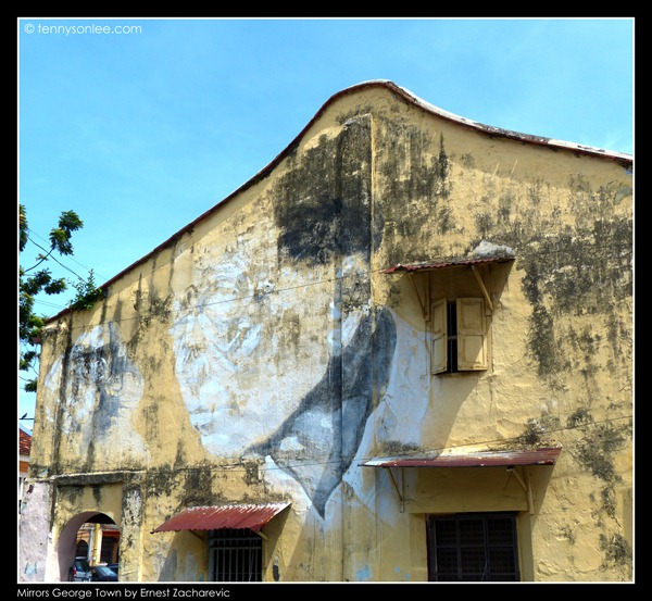 Ernest Zacharevic Mirrors George Town mural - The old man