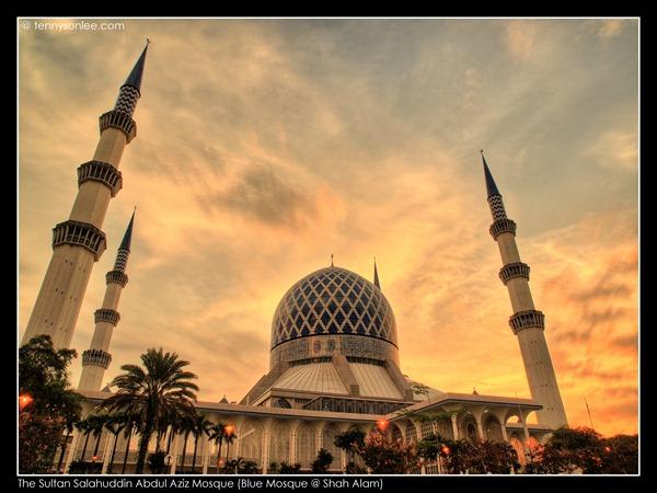 Shah Alam Blue Mosque (1)