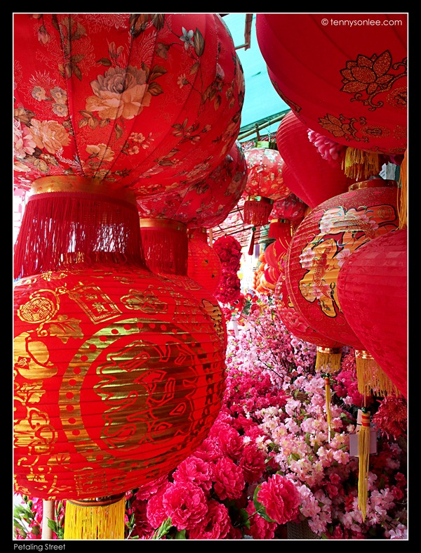Petaling Street greeting Chinese New Year (4)