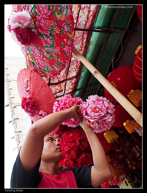 Petaling Street greeting Chinese New Year (5)