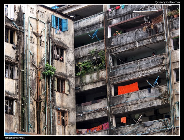 Yangon Building (1)
