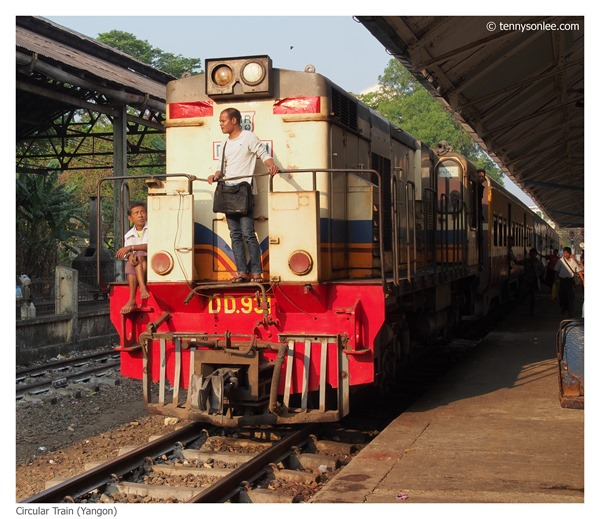 Yangon Circle Line Train (4)