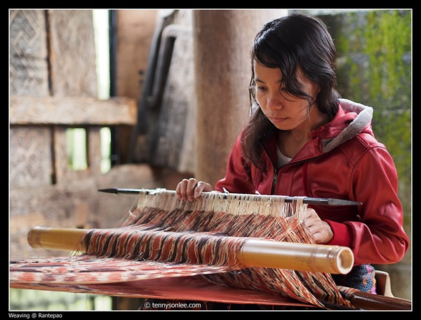 Weaving at Toraja (1)