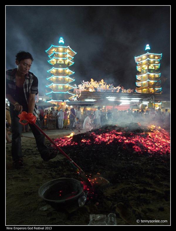 Nine Emperors God Festival 2013 (15)